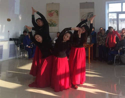 集体舞业务班获得第一名.jpg